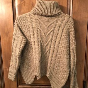 Zaful turtle neck sweater {make me an offer💗🥰}